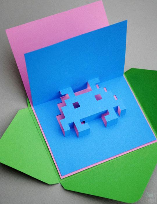 Space Invaders Carte Anniversaire 3d Pop Up A Faire Soi Meme Maxigadget Com